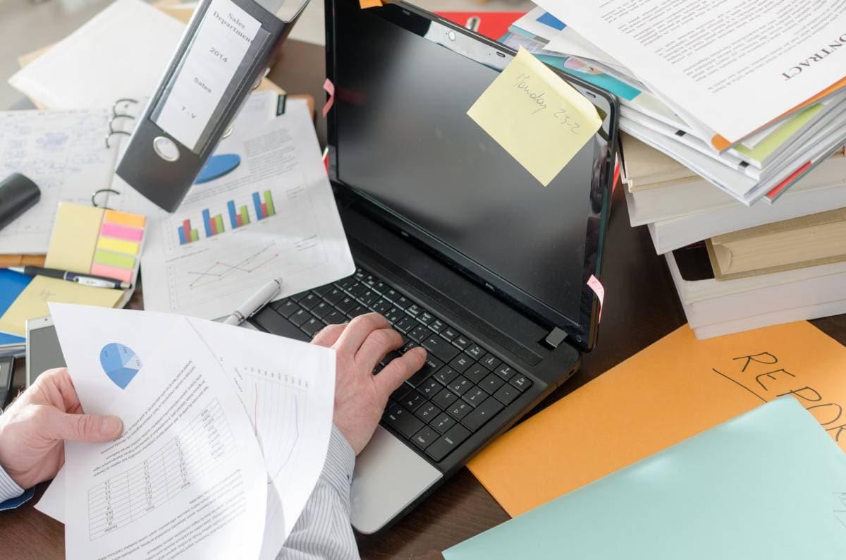 Chaos am Arbeitsplatz: Fünf Tipps für mehr Ordnung