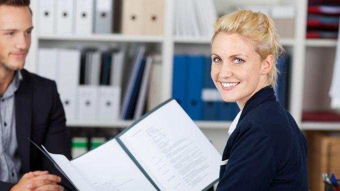 Der Perfekte Lebenslauf Für Die Bewerbung Auf Einen Ausbildungsplatz