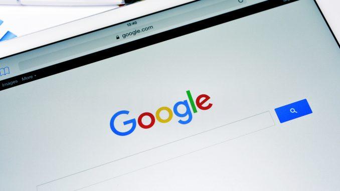 Die Google Suchmaske auf einem Tablet
