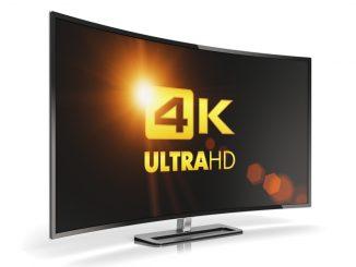 Fernseher mit Aufschrift 4k Ultra HD