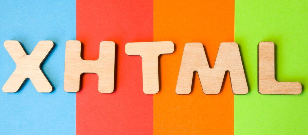 XHTML Schriftzug mit buntem Hintergrund.