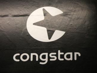 Das weiße Congstar-Logo auf dunklem Hintergrund