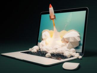 Eine Rakete fliegt aus einem Notebook