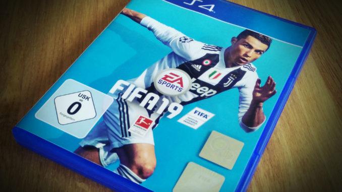 FIFA19 Cover PS4 EA
