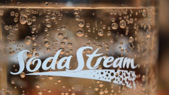 Eine Sodastream Flasche in der Nahaufnahme