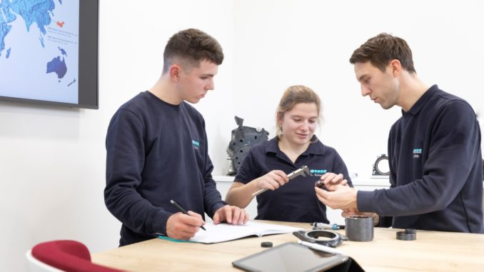 EIn Team der KACO GmbH