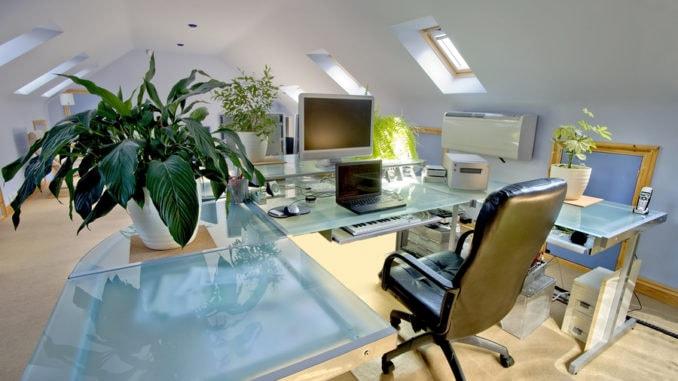 Ein Home Office in einem umgebauten Loft