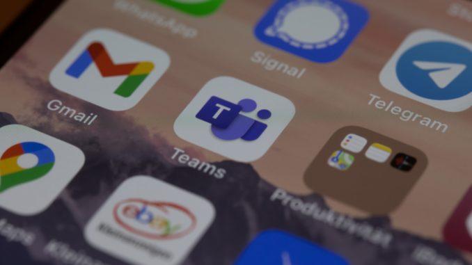 Foto eines Smartphone Displays mit der Appübersicht